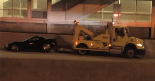 Lad ikke manden her bugsere din Corvette… – Video