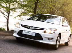 Hyundai i10 og 30 vinder i test