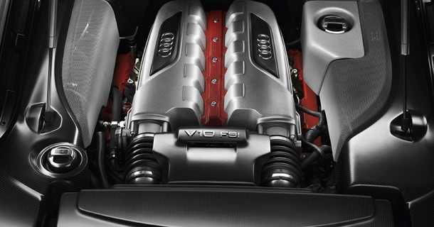 Audi R8: Mere kraftfulde V8 og V10-motorer kommer i 2012
