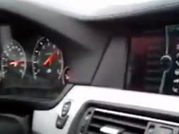 bmw m5 når 300 km/t på autobahn