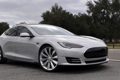 Tesla Model S kan nu opleves i København