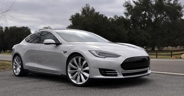 Nu kan du møde Tesla Model S