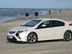 Opel Ampera er kåret som Car of the Year 2012