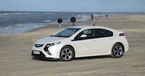 Opel Ampera kåret til Car of the Year 2012 i Europa