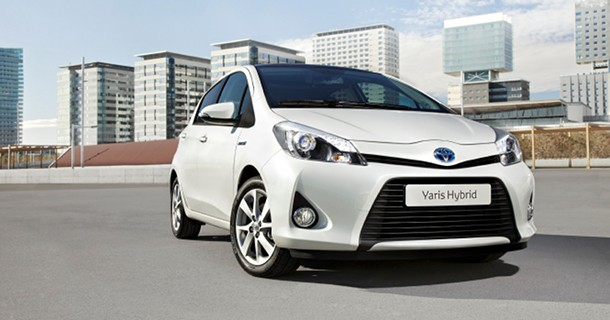 Toyota Yaris går hybrid