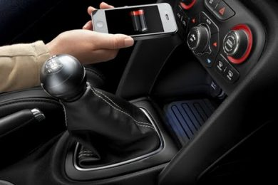 2013 Dodge Dart trådløs oplader