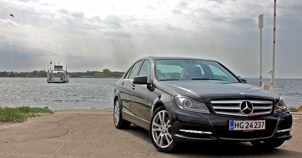Politiet skal køre Mercedes C-klasse
