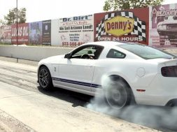 Her viser Ford deres Mustang GT500 Launch control