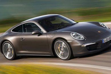 Nu er det officielt Porsche 911 Carrera 4 får firehjulstræk