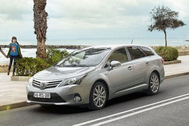 Nu kan man spare 42.000 kr. på Toyota Avensis