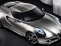 Alfa Romeo 4C produktionsklar model ved Geneve Motor SHow