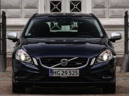 Volvo V60 D2 PowerShift R-Design