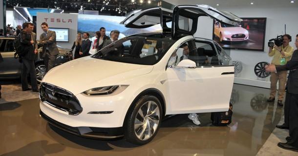 Allerede over 6.000 bestillinger på Tesla Model X
