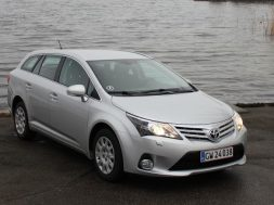 Toyota Avensis Stationar diesel test