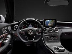 Kommende Mercedes C-klasse interiør