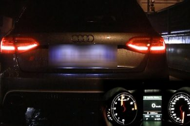 Vild Audi RS4 straight pipes lyd