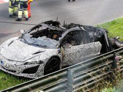 Honda NSX i brand på Nürburbring