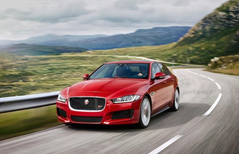 Første videoanmeldelser af den nye Jaguar XE