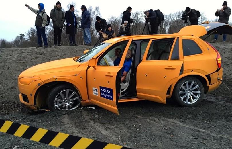 Crashtest-video: Se den nye Volvo XC90 flyve