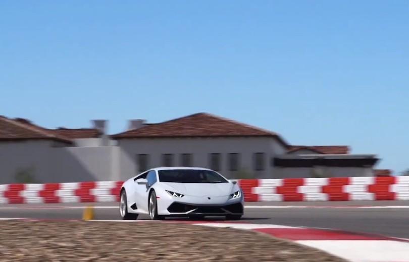 Hop med bag rattet i Lamborghini Huracán