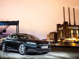 Vi superlader en Tesla Model S