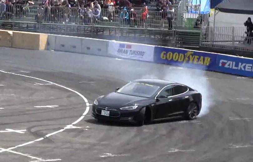 Kan Tesla Model S drifte? Få svaret her