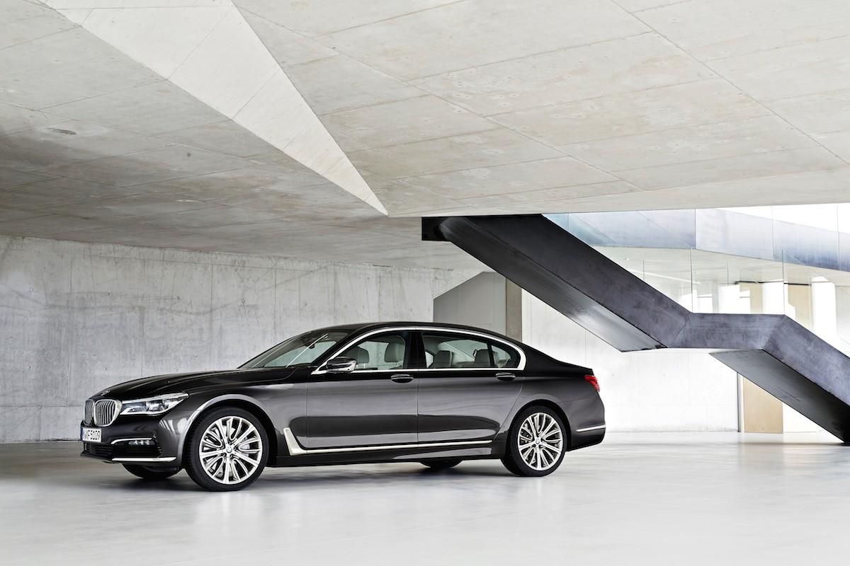 Ny BMW 730i med firecylindret motor?