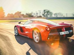it-s-friday-watch-top-gear-properly-thrash-a-laferrari-on-track