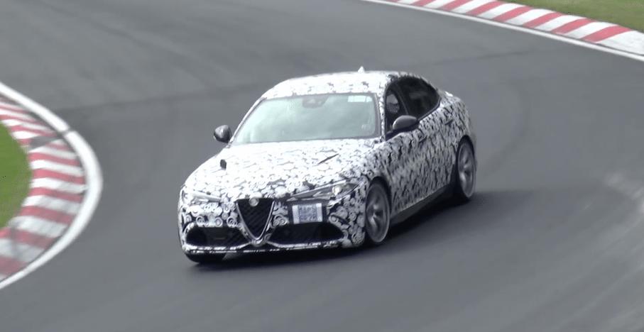 Alfa Romeo Giulia QV ydmyger BMW M4 på Nürburgring