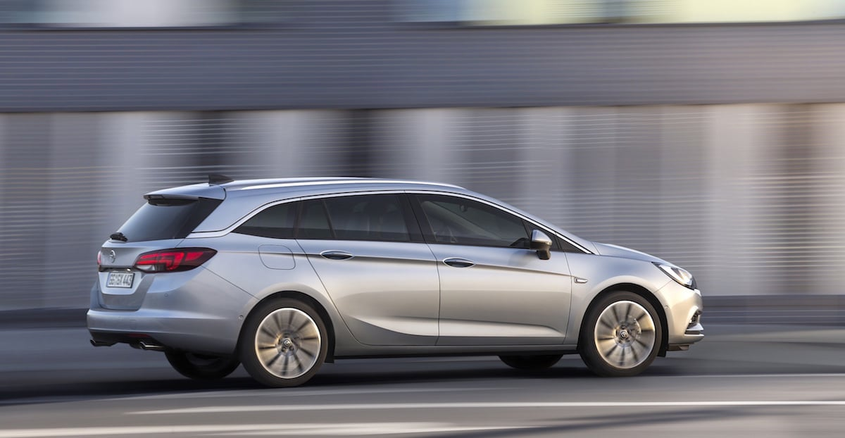 Første Fotos Af Opel Astra Sports Tourer Bilsektionendk