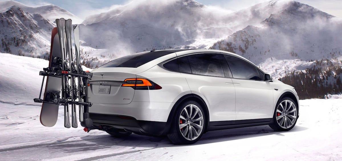 Ny Tesla Model X har plads til syv og er lynhurtig