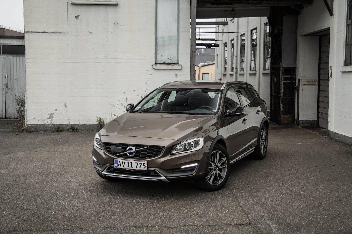 Test: Volvo V60 Cross Country D4 AWD Momentum