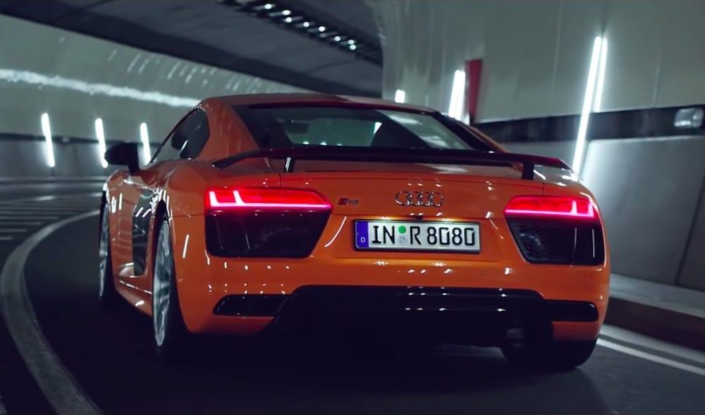 Forførende reklamespot for den nye Audi R8