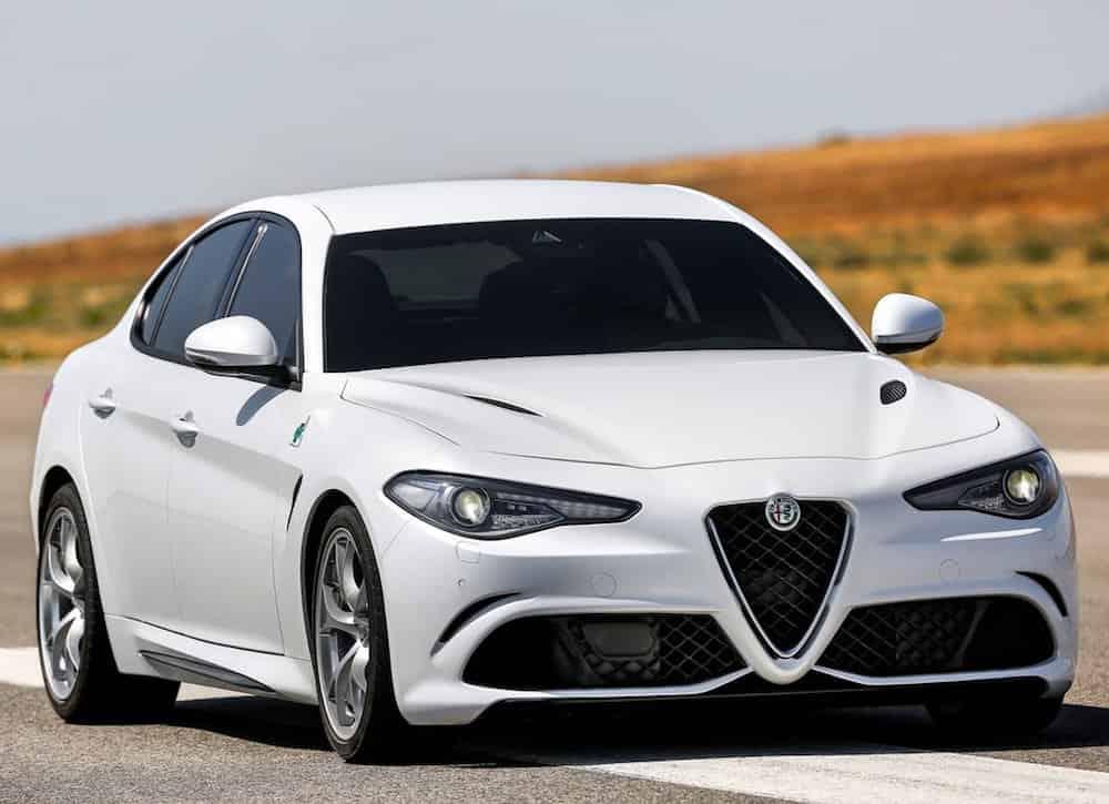 Vent… den nye Alfa Romeo Giulia lanceres først om lang, lang tid