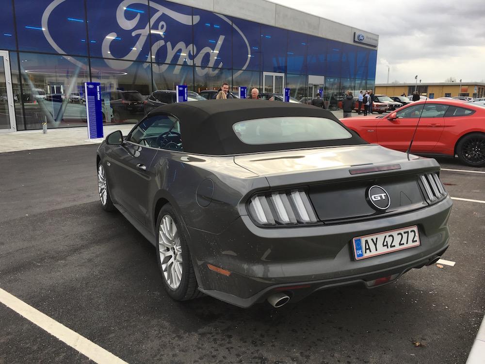 Eksklusiv bilbutik: Til præsentation af ny FordStore