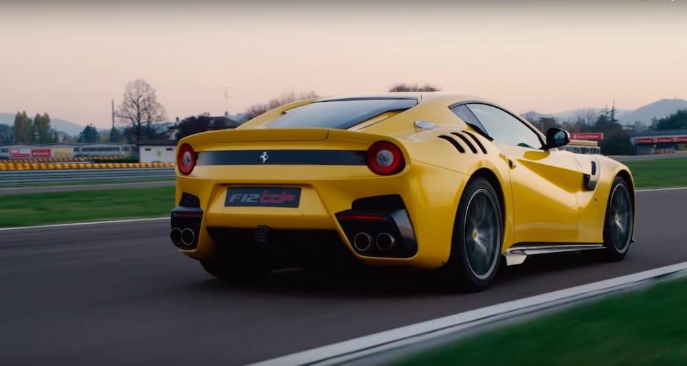 Første videoanmeldelse af Ferrari F12tdf
