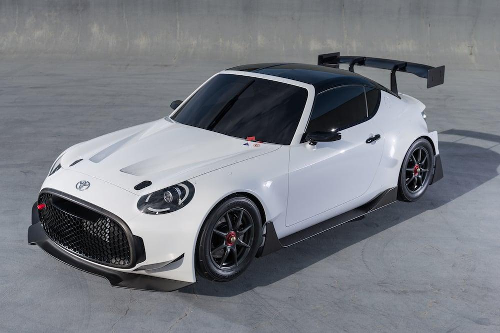 Toyota viser en lille hårdkogt sportsvogn