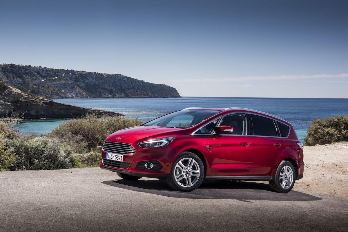 Ford sætter S-MAX ned med op til 122.000 kr.!