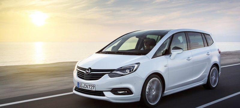Ny Opel-Zafira-300739 front (50)
