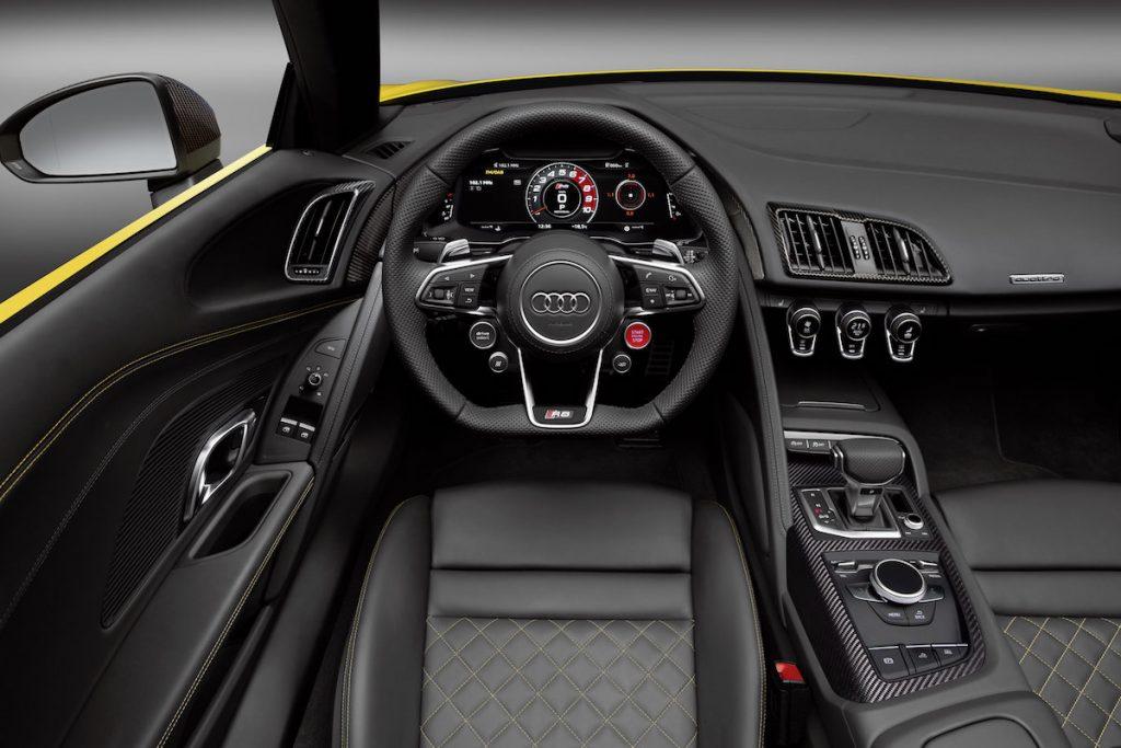 Audi-R8-Spyder-V10501_medium