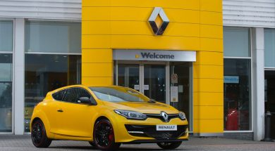 2015_Renault_Megane_Renault_Sport_275_Cup-S_(1)