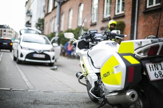 Slip speederen! Politiet er på lur ved landets skoler