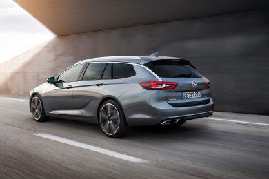 Opel-Insignia-Sports-Tourer-bagfra skraat 304055