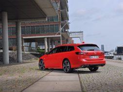 Opel_Insignia_ST_050