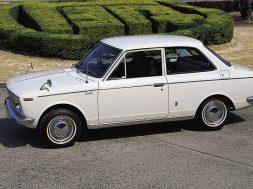 1966_Toyota_Corolla_low