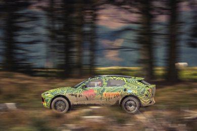 Aston Martin DBX11