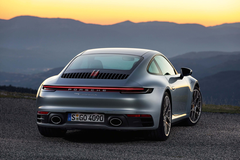 Porsche 911 992 2